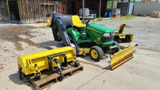 John Deere X585 Tractor