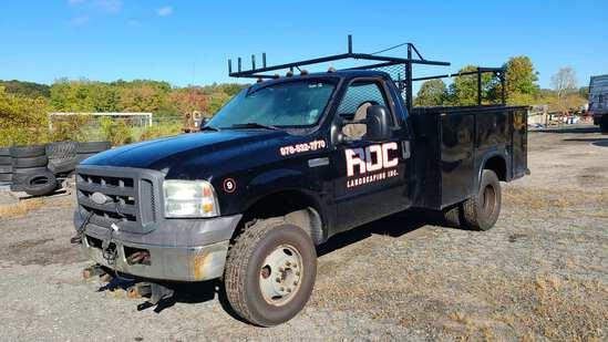 2005 Ford F350 Utility Truck