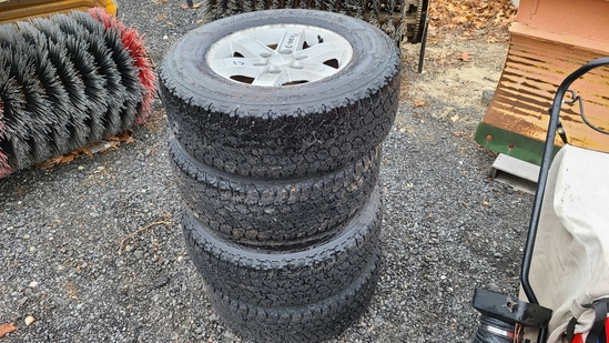 (4) 265 70 17 tires and rims