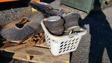 Pallet - Air Bags, Wire Wheels, Chain Binders,