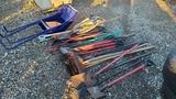 Lot - Hand tools, shovels, chippers