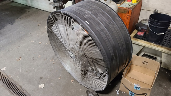 Patton 750w commercial fan