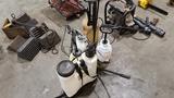 Lot - pump sprayers