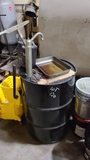 Drum with hand pump