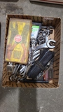 Lot - specialty tools and wrenches