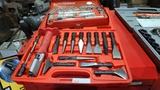 Lot - chisel set / socket wrench set