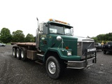 2000 Volvo Roll Off Tractor