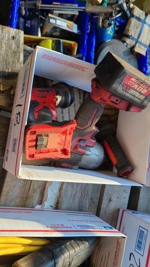Box lot - milwaulkee impact and flash light