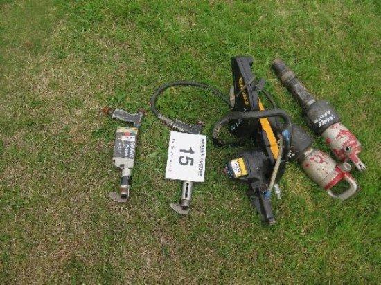 2x Cengar Uni CL50 hacksaws, Makita chuck drill, Partner cut off saw and Thor air breaker.