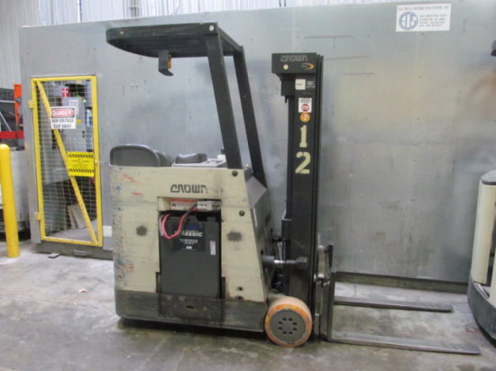 CROWN RC3000 COUNTERBALANCED FORKLIFT Auctions Online