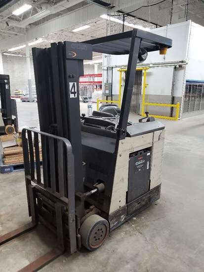 Crown RC3000 Series 36 Volt Counterbalanced Forklift