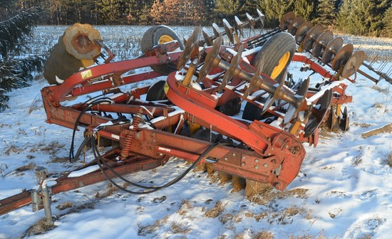 Kewanee 1010 20ft Folding Disk w/Harrow