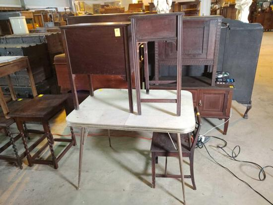RETRO TABLE & 2 SIDE TABLES
