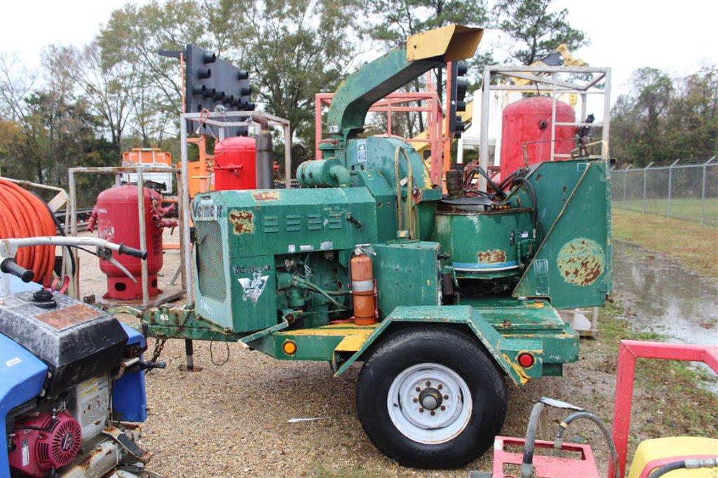 Lot: VERMEER BC1250 Wood Chipper, Diesel Engine, Trailer