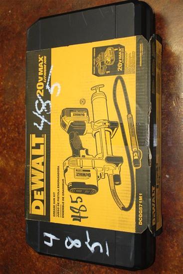 (1) DeWalt Grease Gun Kit Model DCGG571M1