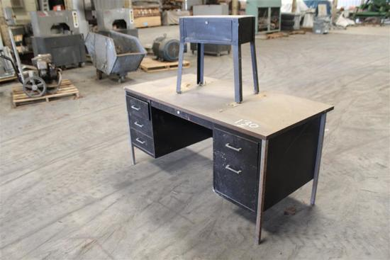 LOT OF DESK & SIDE TABLE