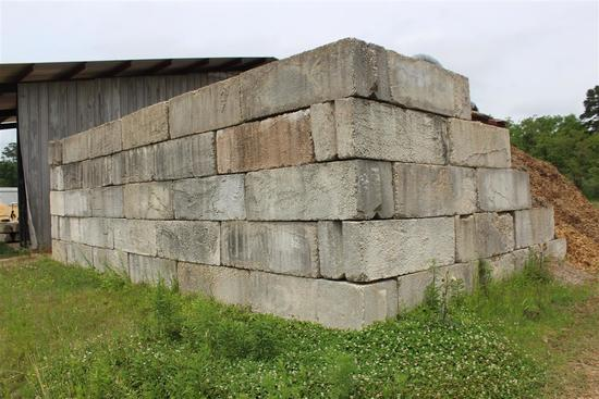 LOT OF CONCRETE BLOCKS 2X2X6
