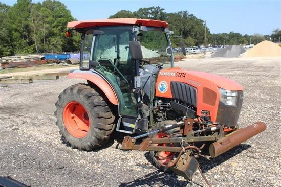 2015 KUBOTA L6060HSTC 4X4 Tractor, Showing 740.7 Hours