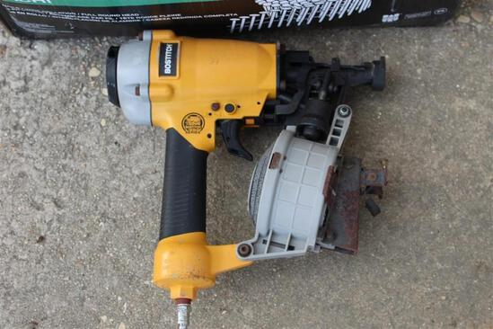 BOSTITCH ROOFING NAILER W/ NAILS