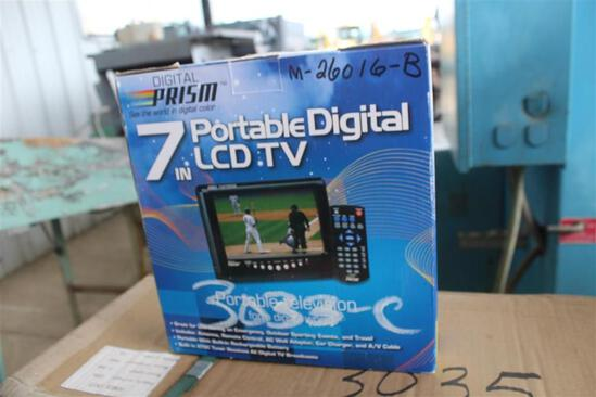 7IN PORTABLE DIGITAL LCD TV
