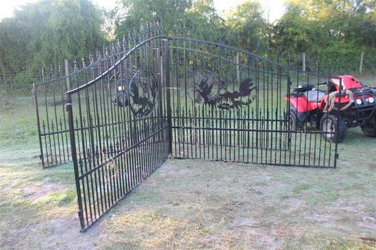 BLACK POWDER COATED GATES WILDLIFE DEISGN