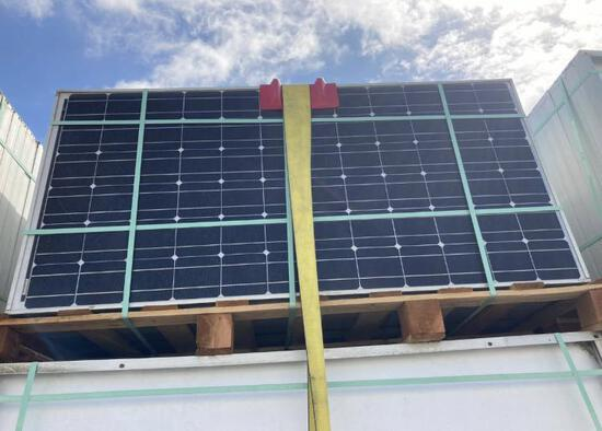 BP 175W SOLAR PANELS (10 PANELS INCLUDED WITH LOT)