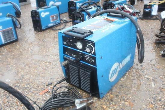 Miller Spectrum 1000BC Plasma Cutting Machine - SN: LG250013P