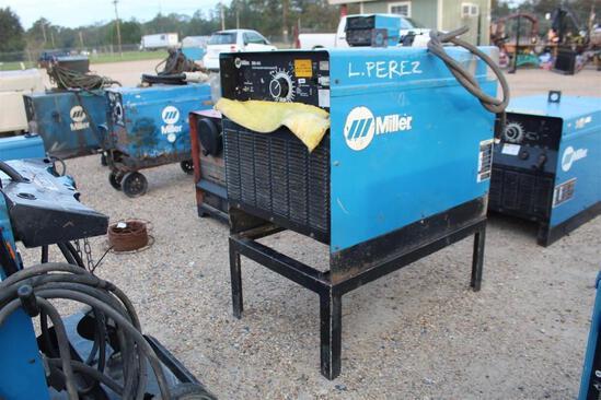 Miller SRH-444 Power Source (SN: LA348069)