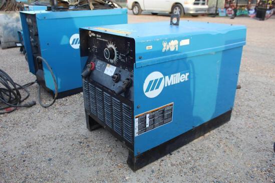 Miller SRH-444 Power Source (SN: L8470380V)