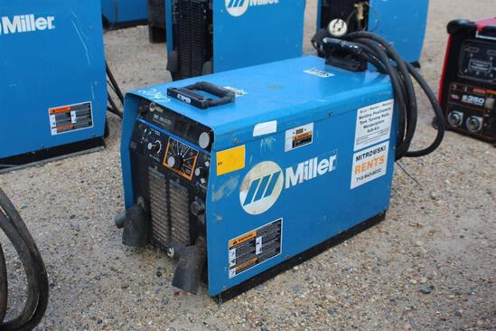 Miller Phoenix 456 CCRCV (SN: LU172991)