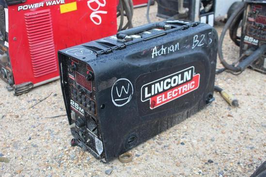 Lincoln Electric 25M PowerFeed (SN: U1160706304)