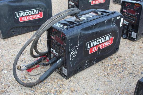 Lincoln Electric 25M PowerFeed (SN: U1160706294)