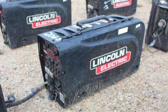 Lincoln Electric 25M PowerFeed (SN: U1160702516)