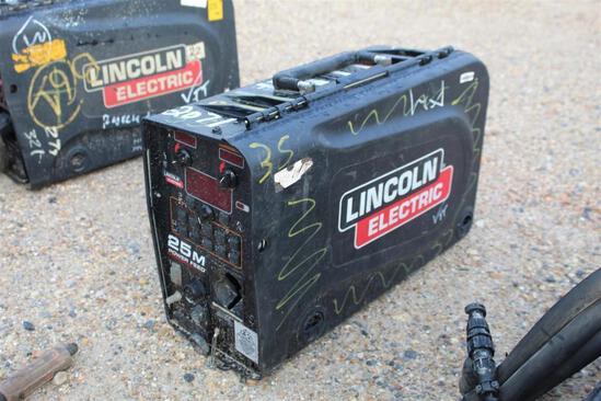 Lincoln Electric 25M PowerFeed (SN: U1160702511)