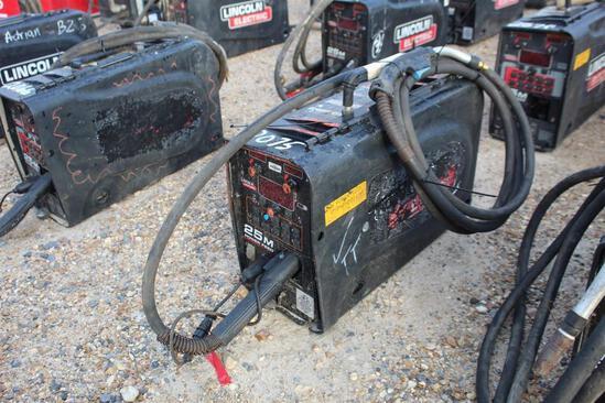 Lincoln Electric 25M PowerFeed (SN: U1160706300)