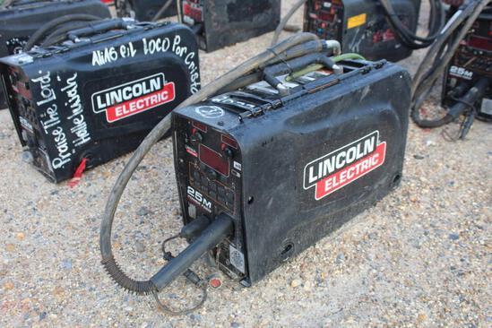 Lincoln Electric 25M PowerFeed (SN: U1160702505)