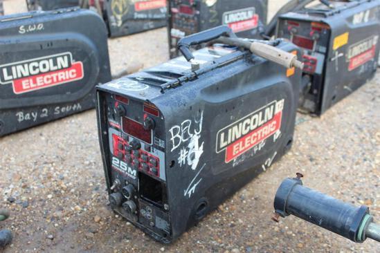 Lincoln Electric 25M PowerFeed (SN: U1090800740)