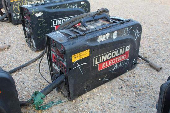 Lincoln Electric 25M PowerFeed (SN: U1090800656)
