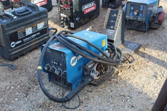 Miller 70 Series 24V Wire Feeder (SN: LG370105W)