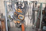 Rack 2 Ton Chain Hoist and Air Hoist