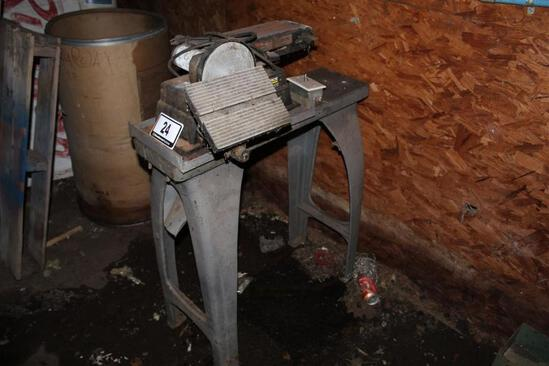 Task Force 4 Inch Belt and 6 Inch Disc Sander with Stand, Serial: 154294