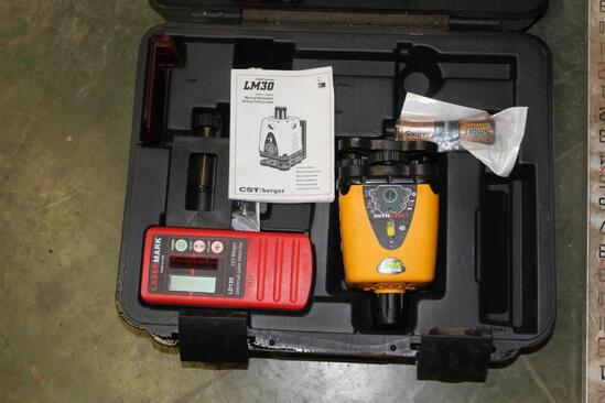 CST/BERGER LM30 ROTARY LASER IN CASE