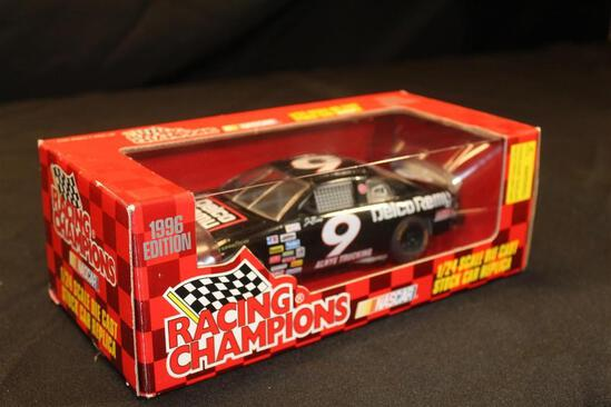 1996 Racing Champions #9, 1:24 Scale Die Cast Stock Car Replica