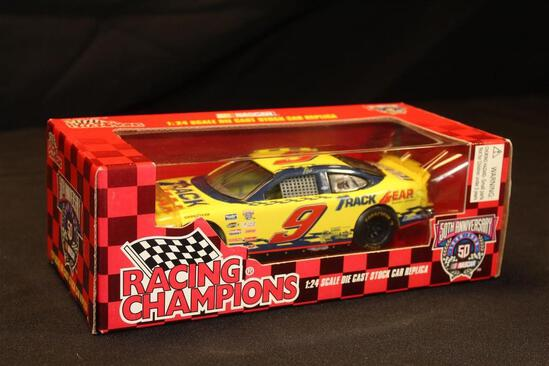 1998 Racing Champions 50th Anniversary #9, 1:24 Scale Die Cast Stock Car replica