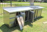STAINLESS TABLE W/ SINK AND 1 COOLER