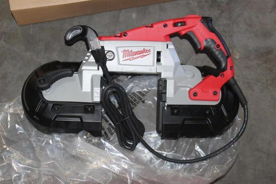 APPEARS UNUSED MILWAUKEE ELECTRIC DEEP CUT VARIABLE SPEED DRIVE BANDSAW