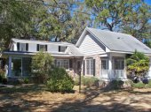 Home and land with frontage on Winyah Bay