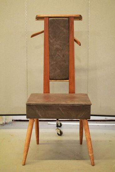 Loroman Company Valet Chair