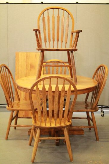 Round Oak Table With Leaf & 6 Chairs