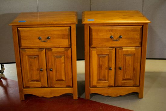 Pair of Light Wood Night Stands